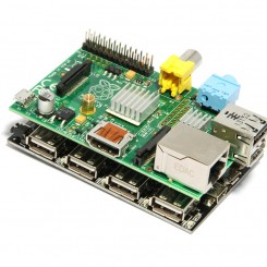 Put UUGear USB hub under Raspberry Pi